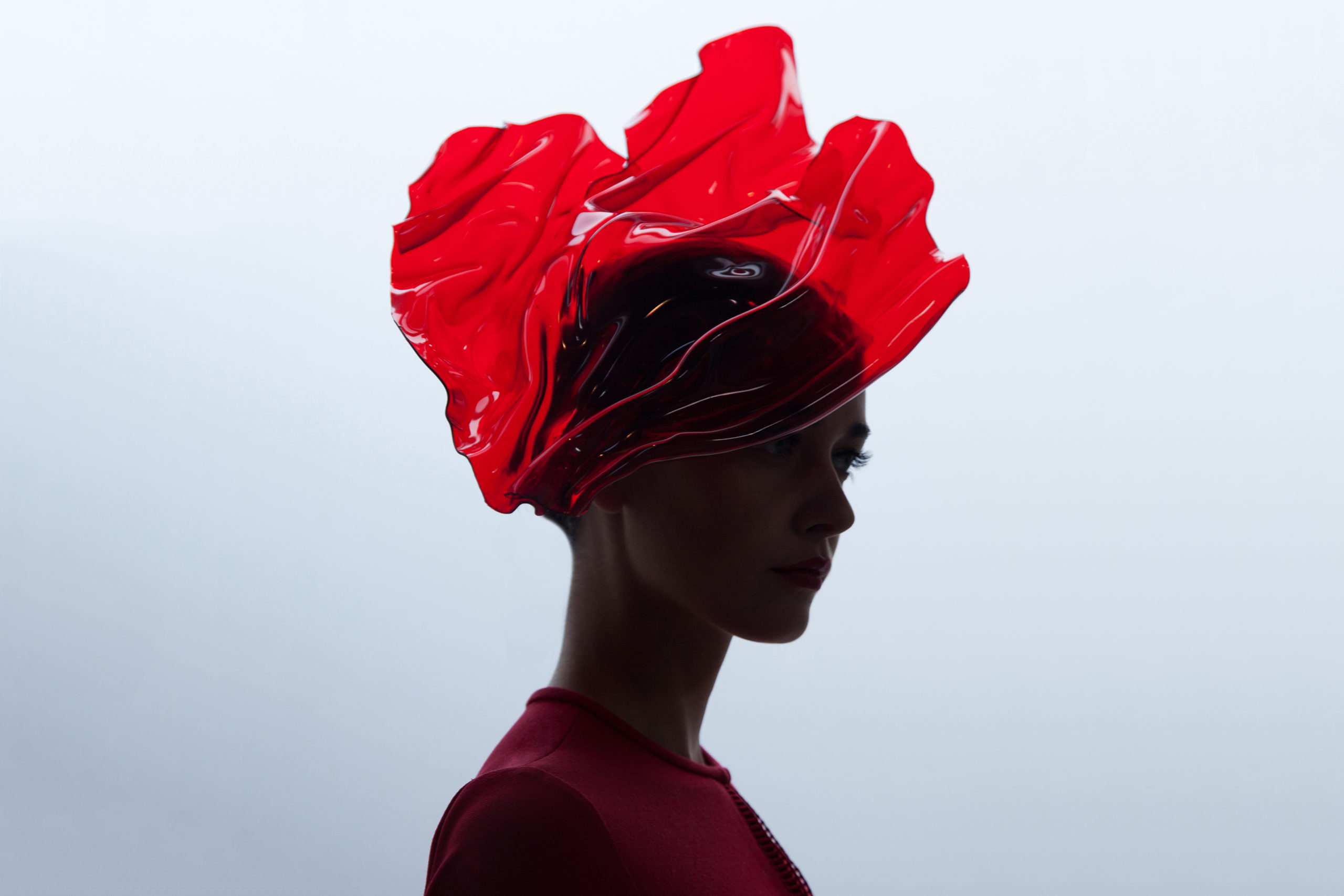 https://www.fashionandlacemuseum.brussels/wp-content/uploads/2020/09/Maison-Fabienne-Delvigne-Hat-Red-Innovation-Red-Plexi-2-scaled.jpg