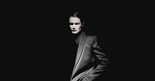 Black ©Frederik Vercruysse